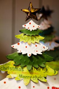画用紙クリスマスツリー